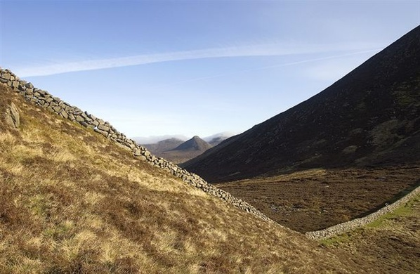 The wall running from Slieve Binnian to Wee Binnian. Doan is in the background.