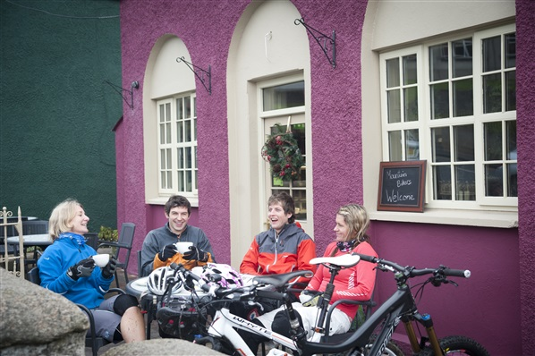 MTB-Friendly Cafe